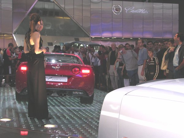Petite photos souvenirs Du Mondial de l'automobile 2004 a paris (1)