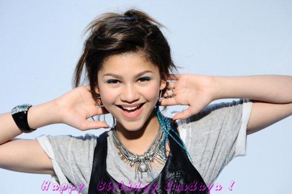 Happy Birthday a Zendaya alias Rocky Blue pour ces 15 ans ceJeudi 1 Septembre !