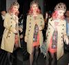 """13/10/11: Katy sortant du restaurant « The Wolseley » à Londres de nouveau avec ses cheveux roses! . Le nouveau parfum de Katy Perry s'intitulera « Meow » qui signifie """" Miaou """". Il sortira dans le courant du mois de novembre.."""