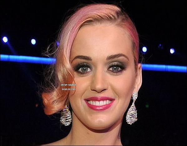 Mercredi 30 Novembre: Katy Perry été présente aux « 54th Grammy Nomination Concert » à Los Angeles.