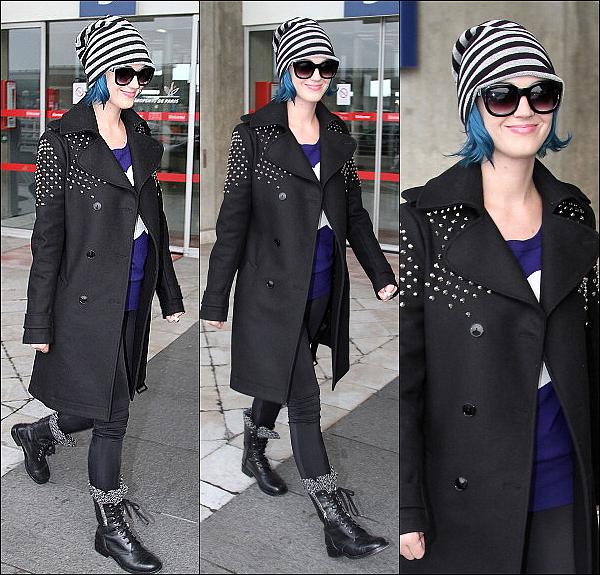 03/03/12: Katy Perry a été aperçue un peu plus tôt aujourd'hui à l'aéroport de Roissy à Paris. Top?