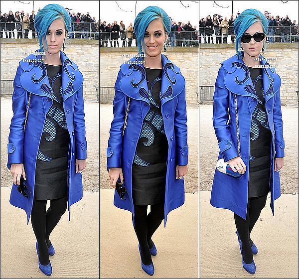 03/03/12: Katy était présente au défilé Viktor & Rolf à l'espace Ephemere des Tuileries à Paris.