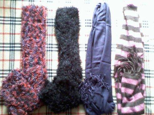 Differente écharpe ( les deux premiere font également pull sans manche ) = propose + fdp