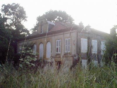 1°) La Maison Abandonnée du Rucher