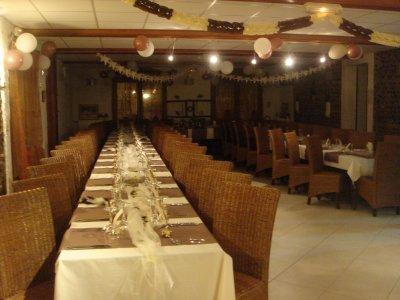 Exemple de disposition de table pour repas de mariage h tel restaurant au feu de bois - Disposition table mariage ...