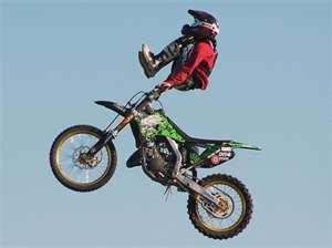Vous kiffer plus la motocross ou la figure??