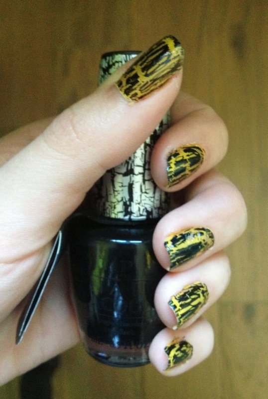 Crackle nails