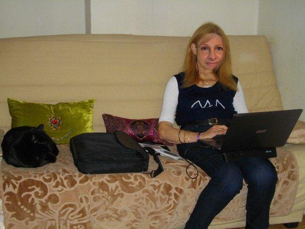 sur la photo de moi Victoria  dans ma maison