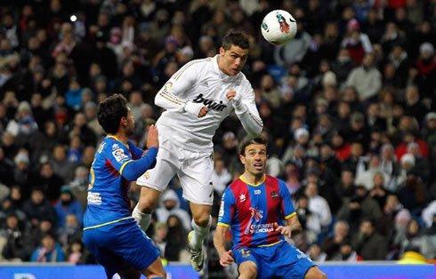 real madrid 4 ; 2 levante   ; ronaldo vs levante