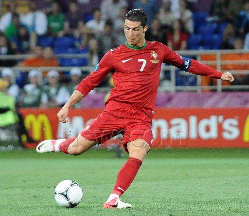 euro 2012 : portugual 2 : 1 pays-bas  portugual qualifié