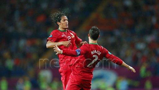 euro 2012 : portugual 2 : 1 pays-bas  portugual qualifié............ merci ronaldo