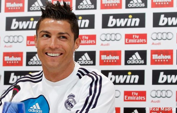 "c. ronaldo 2 /1 2013 : ""I feel very good here and I always give my all for this shirt"""