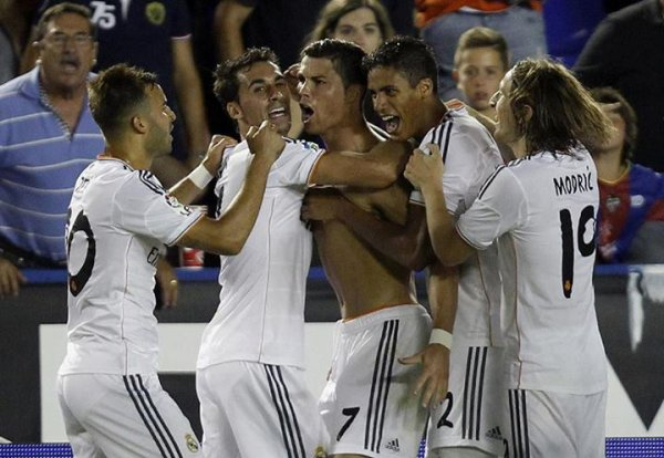 real madrid 3 : 2 levante ........hala madrid