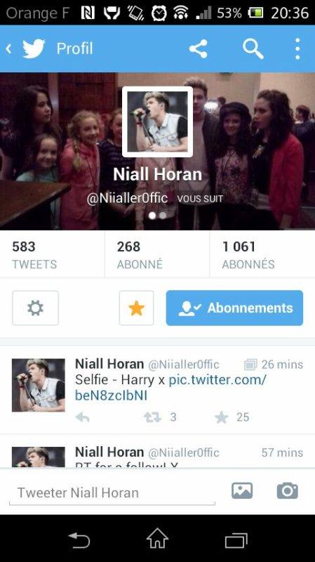 Niall ma follow sur Twitter!!!! Svp je suis trop happy !!!!!
