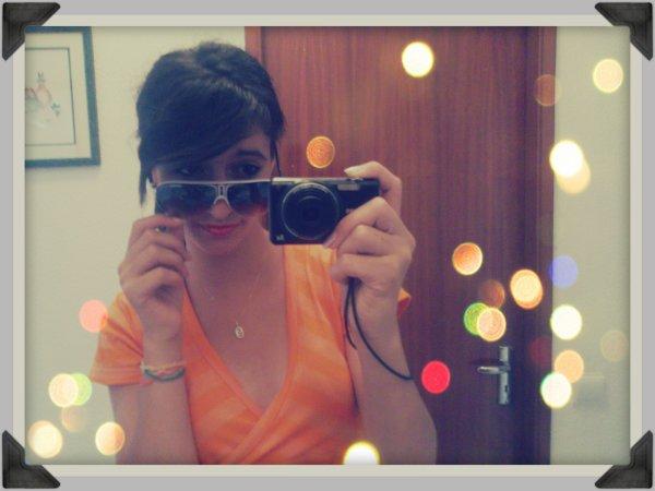 • J'suis peut-être pas la plus belle, mais au moin j'suis fidèle ;) .