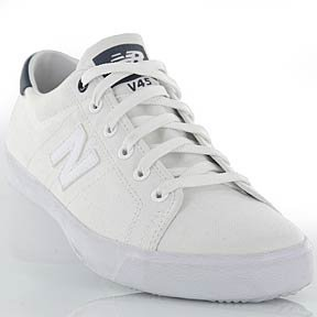 NEW BALANCE BLANCHE NEUF PLUSIEUR TAILLE, DISPO EN 72 HEURES