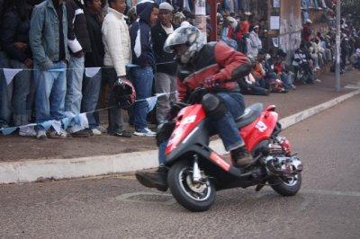 moto scooter jog 4