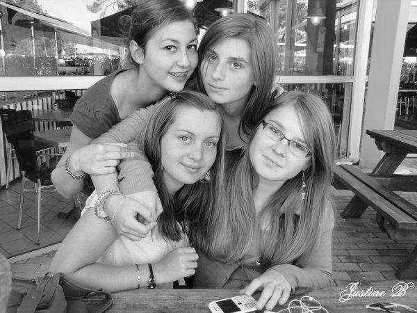 Roxane, Manon, Alexia, Manon  ♥.