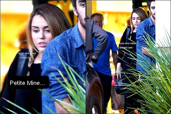 _ 09/11/11 : C'est une Miley très fatiguée que l'on à retrouvée dans Los Angeles, avec Vijat. Vijat et Miley sont de plus en plus Proche, Amitié ou plus encore ? Ton Avis ? _