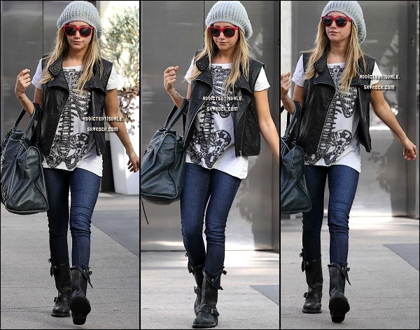 "20.01.12 : Ashley Tisdale arrivant à la salle gymnastique "" Equinox ""."