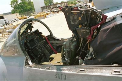 Mirage 2000 interieur le fou d 39 arm e for Interieur mirage 2000
