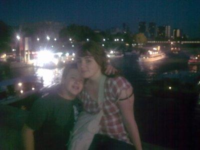 Moi et ma cousine a Paris