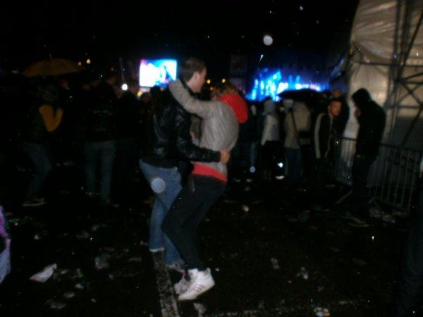 dansez sous la pluie.