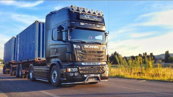 Scania R560 V8 Noir Mat