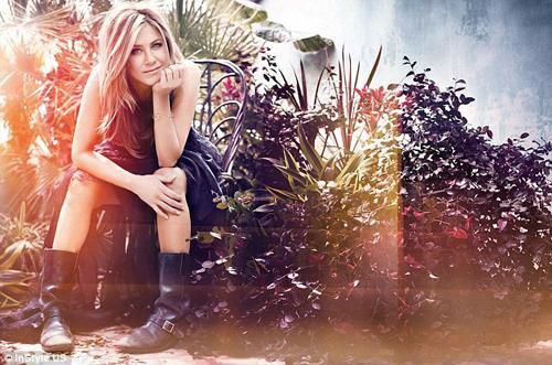 6# Jennyfer Aniston