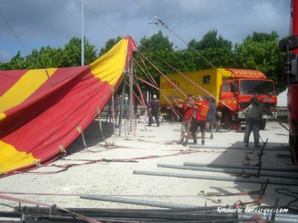 cirque pinder lors de leur passage a Cherbourg