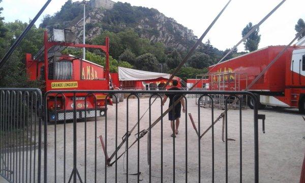 cirque amar  lors de son passage a cherbourg