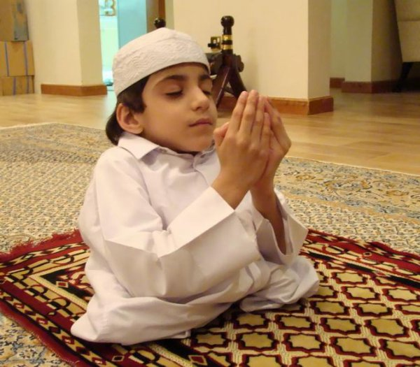 من تهاون في الصلاة عاقبه الله بخمسة عشر عقوبة