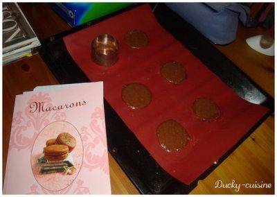 Macarons chocolat noir et blanc