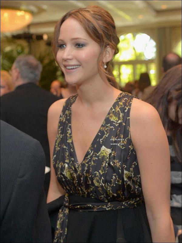 • 12/01/2013 Jennifer était présente à une réception organisée à l'occasion des BAFTA Awards •