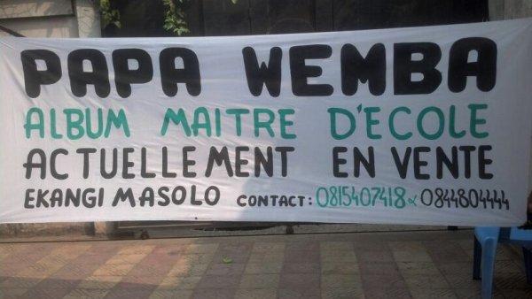 Campagne de promotion de l'album Maitre d'école de Papa Wemba à Kinshasa.