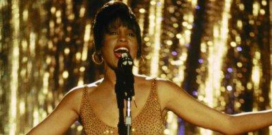 Whitney Houston serait morte noyée dans sa baignoire