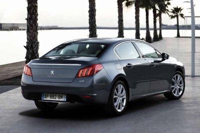 Renault Laguna III vs Peugeot 508 vs Volkswagen Passat vs Citroen C5 vs Skoda Octavia vs Opel Insigna