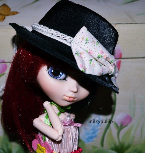 Meg et le chapeau :3