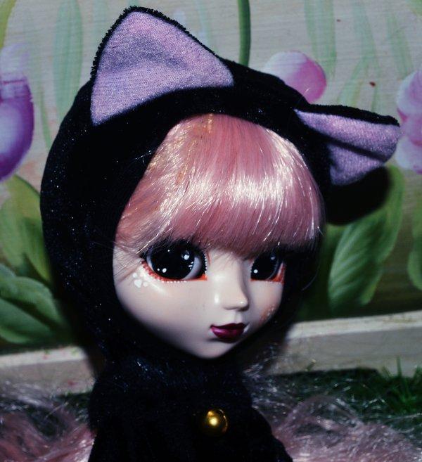 Nouvelle Doll :3 Pullip Moon Regeneration series nommée Elisabelle nekonojinsei (vie de chat en jap) ;P make up modifié par moi-même :3