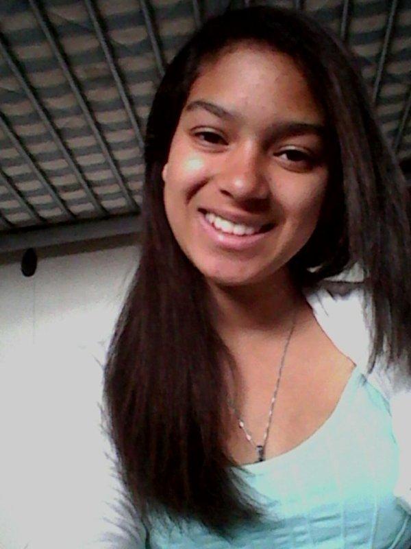 Derrière un sourire tu cache tjr des choses