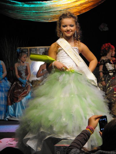 MOI 4 E DAUPHINE MISS AUTOMNE