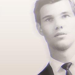 E.Glee - Taylor Lautner.