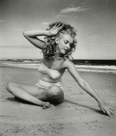 Une belle actrice...  Norma Jean Baker   ( Serge Gainsbourg  ,  Jane Birkin )  /  Juin 1926- août 1962