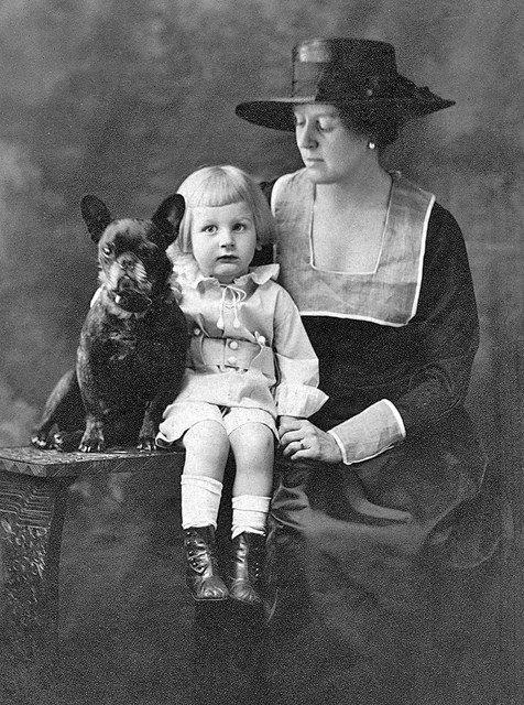 Coup de coeur   :   photo vintage américaine avec bouledogue français . . .