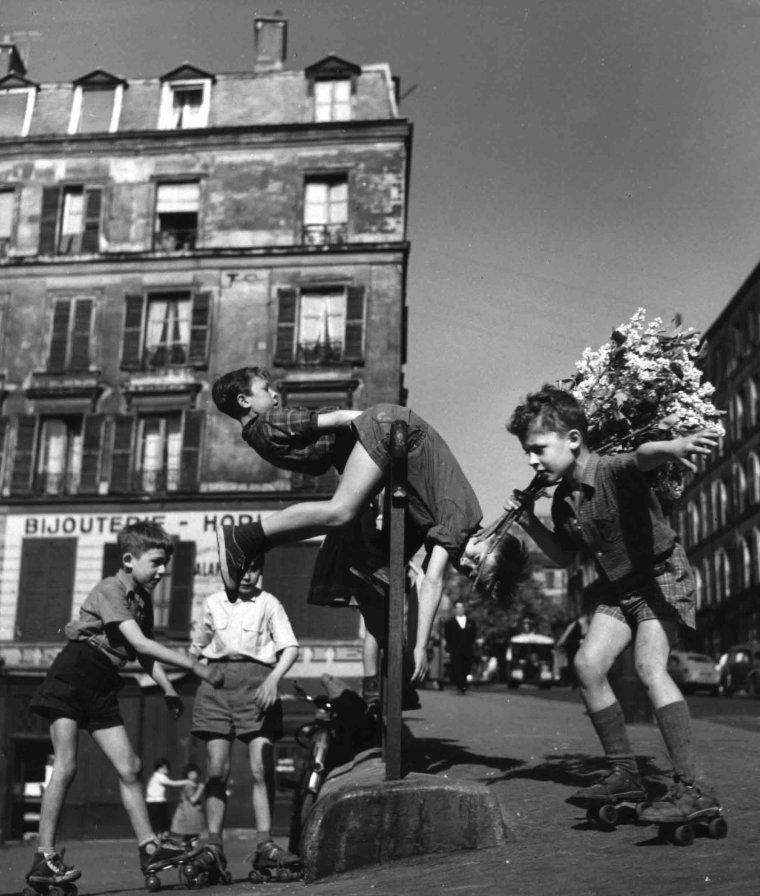 Bonne fête Robert !  . . .  Robert Doisneau   (1912-1994)