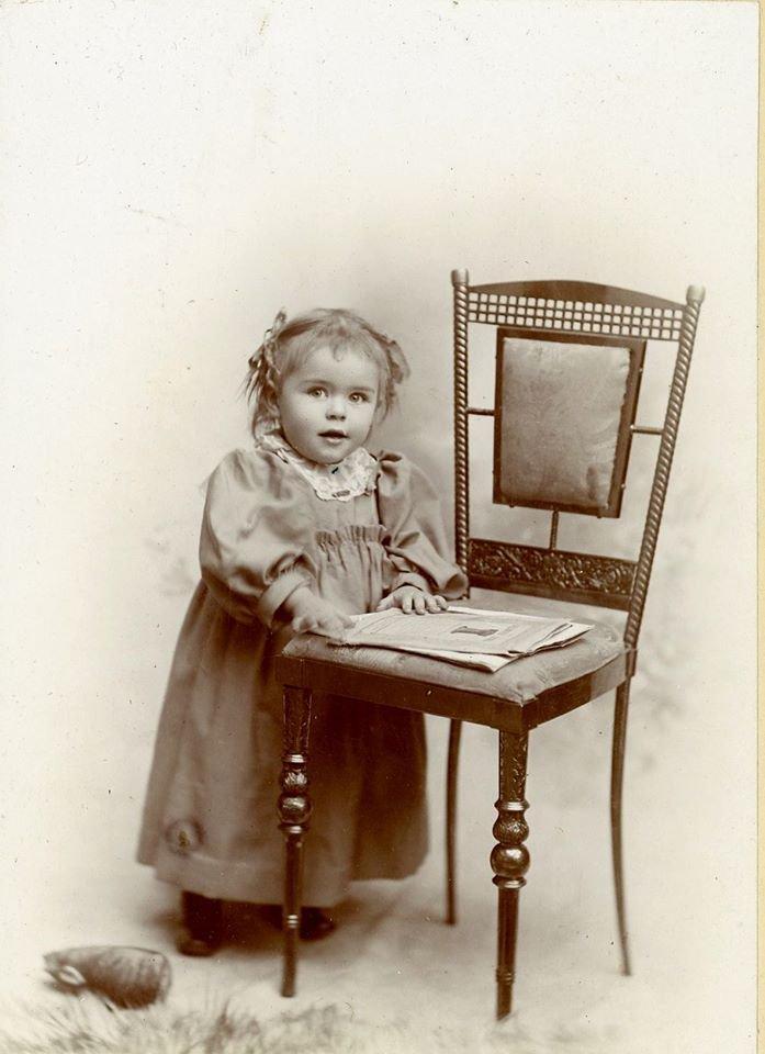 Enfant vintage  c. 1880