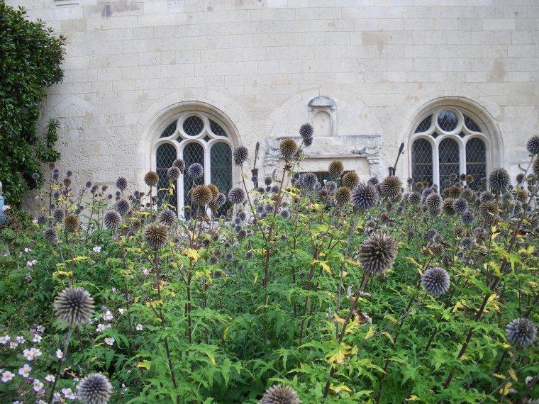"""Haramont  , Prieuré de Longpré  (suite)   """" Le presbytère n'a rien perdu de son charme ni le jardin de son éclat """" Gaston Leroux"""