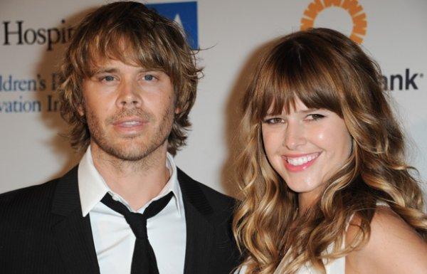 Éric Christian Olsen et sa compagne Sarah Wright vont bientôt être parents ! :D