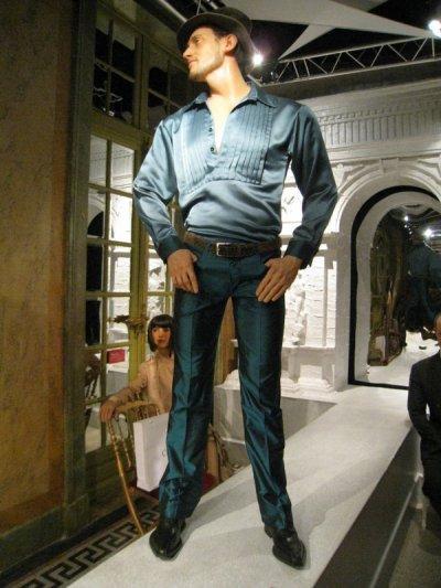 la nouvelle statue de frank au musee grevin