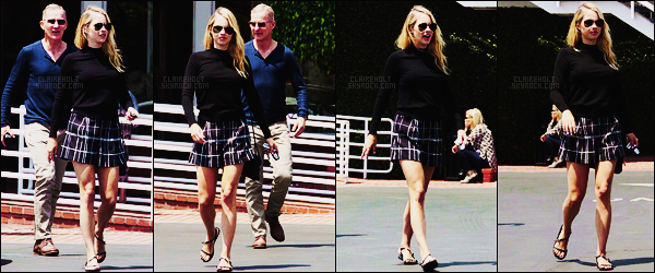 05/05/17 - L'actrice blonde Claire Holt a été déjeunée puis a été vue quittant les lieux dans Los Angeles.  Une semaine après la demande de divorce de son mari, Claire se montre, je n'aime pas la tenue, les chaussures sont horribles, un bof